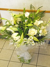 Hand Tied Bouquet HT001